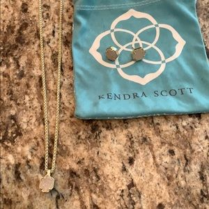 Kendra Scott necklace and studs set